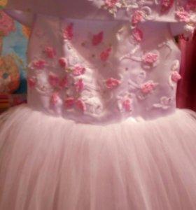 Праздничное платье для принцесс