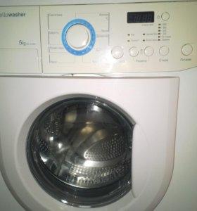Продаю стиральную машину автомат