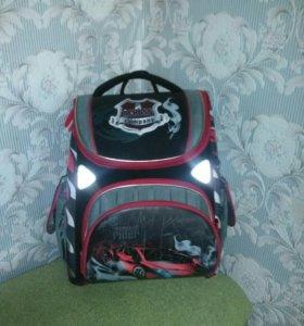 Школьный корпусный рюкзак