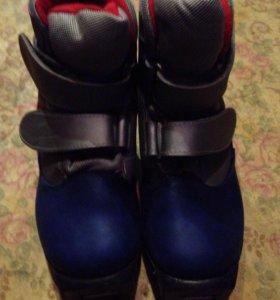 Лыжные ботинки на 32 размер