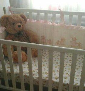 Детская кроватка с матрасом и мягкими бортиками