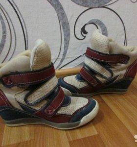 Ботиночки(сникерсы) 37 размер