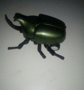 Игрушка заводной жук