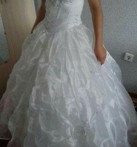 Вечерне-свадебное новенькое платье