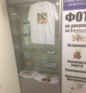Витрина с подсветкой. Пл Горького