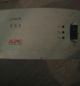 Источник бесперебойного питания APC Line-R