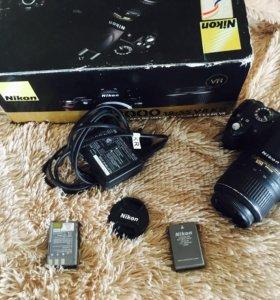 Nikon D 3000 18-55 VR Kit