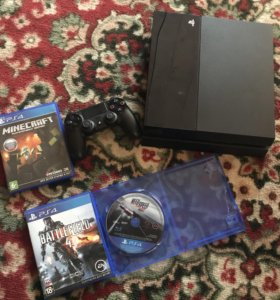 PlayStation4 с тремя играми