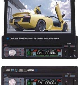 Автомагнитола с выдвижным экраном F8002