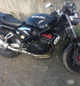 Suzuki GSF400 bandit