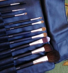 Набор кистей Make-up Atelier + фартук и пеньюар