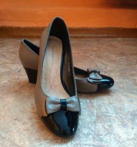 Туфли женские 37р,торг