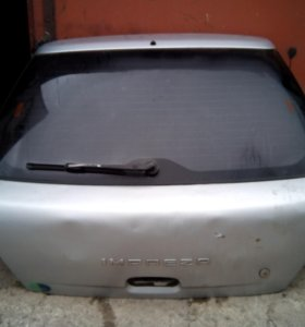 Крышка багажника, стекло Subaru Impreza