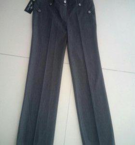 Новые женские брюки,46 размер