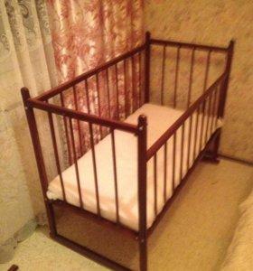 Кроватка -качалка + матрац + бампер