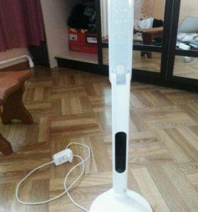 Настольная энергосберегающая лампа со светодиодами