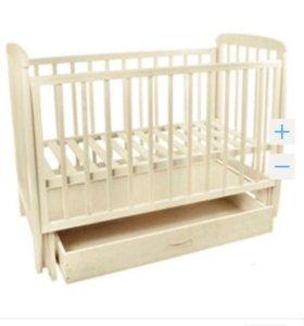 Кроватка детская белого цвета