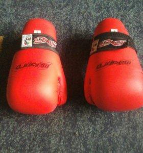 Перчатки для тэквандо