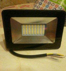 Светодиодный прожектор 20Вт 4000К