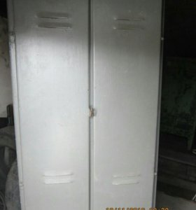 Шкафы металлические двухстворчатые