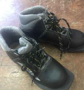Лыжные ботинки в идеальном состоянии
