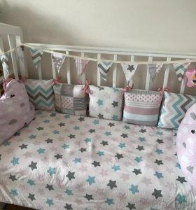 Кроватка-маятник, матрас, постельное белье