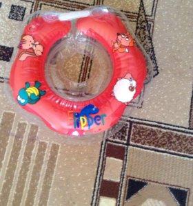 Круг для купания. (0+)