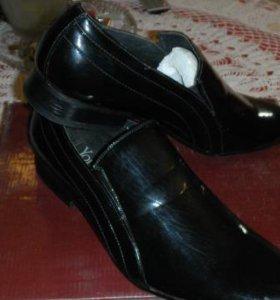Туфли черные лаковые новые