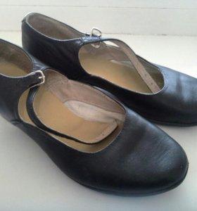 Туфли народные для танца
