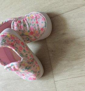 Обувь на девочку размер 19