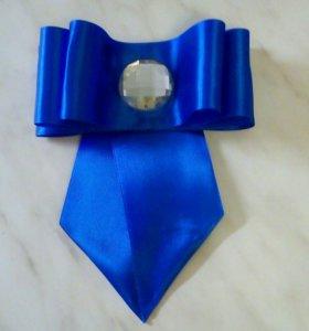Брощь-галстук