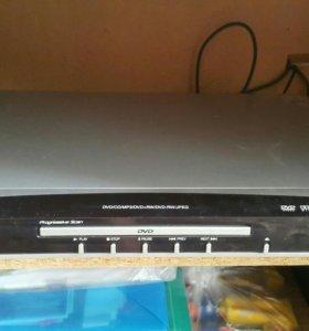 DVD плеер Daewoo DV-600
