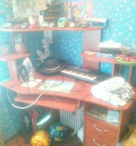 Кампютерныи стол