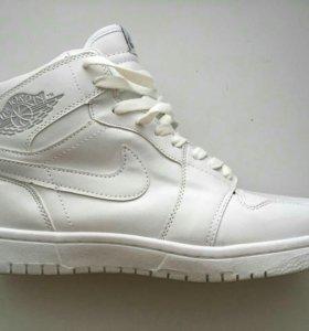 Кроссовки мужские Nike Air Jordan Retro High