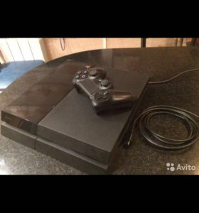 PlayStation 4 500gb + 10 игр на акк