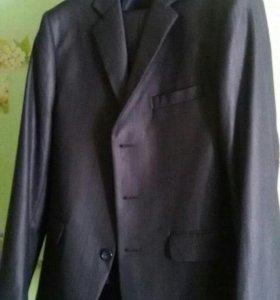 Школьный костюм на подростка.