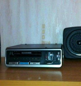 Автомобильный стерео кассетный магнитофон