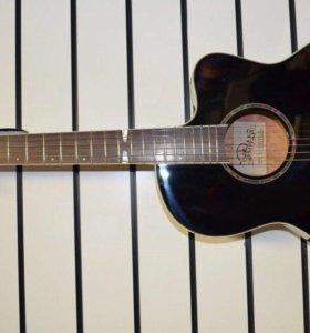 Гитара с вырезом.