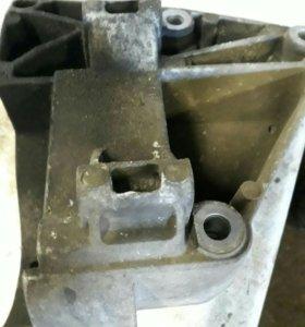 Площадка крепления компрессора кондиционера BMW