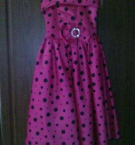 Платье на 9-10 лет, рост 132-136