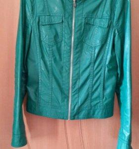 Куртка из искусственной кожи (разм. М)