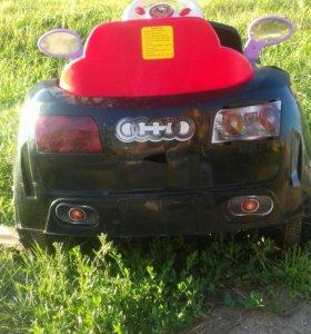 Детский электромобиль, на пульте управления!