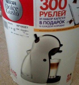 Кофемашина нескафе дольчегусто