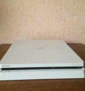 Продаю игровую приставку Sony PlayStation 4
