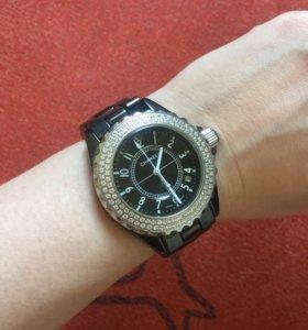 Часы в стиле Chanel j12
