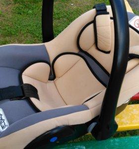 Автомобильное кресло -люлька