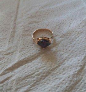 Кольцо золотое 585.17 размер