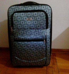 Чемодан и сумки