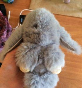Популярный брелок заяц