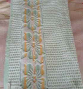 Большое махровое полотенце